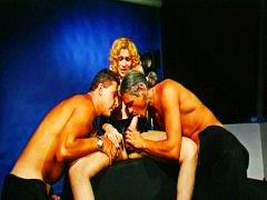 جنس: نيك ثلاثى, شرجى, شيميل, شقراوات