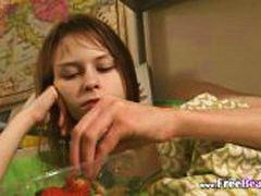 פורנו: צעירות, רוסיות, אצבעות, פוסי