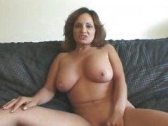 포르노: 구강섹스, 사정, 큰 가슴, 나이든여자