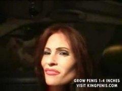 פורנו: נערות ליווי, גרבי רשת, חזה גדול, ג'ינג'יות