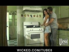 جنس: في المطبخ, كس ضيق, نشوة, السمراوات