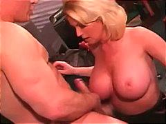Porno: Cougar, Mestresses De Casa, Dona, Palla Amb Els Pits