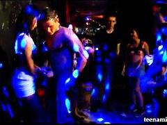 جنس: حفلة, رقص, السمراوات, مراهقات