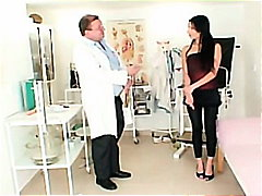 Porr: Läkare, Onani, Fetisch, Brunett