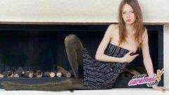 جنس: نكاح اليد, مراهقات, كيلوت, جوارب طويلة