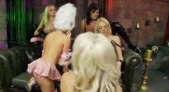 Porno: Ballīte, Blondīnes, Pirksti Pežā, Pornozvaigznes
