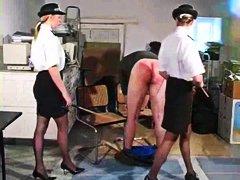 Porno: Britaneze Britanezqe, Shuplakë Vitheve, Femra Dominon