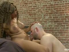 色情: 魅惑人妖性爱, 家庭性爱录像, 变性人
