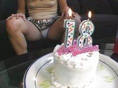 Porno: Tinejgjerkat, Dildo