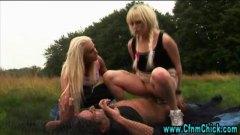 جنس: كاسيات, بنات, بريطانية, تستمنى زبه بيدها