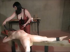 Porno: Dones Dominades, Flagell, Dominació, Jugar