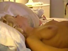 Porn: किशोरी, मूठ मारना, समलिंगी स्त्रियां