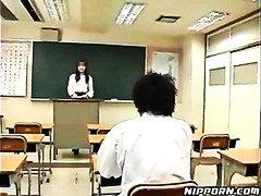 Porn: Rjavolaska, Kosmata Muca, Učitelj, Jahanje