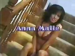 Porno: Thithje, Punëdore, Kuqkat, Vajzat