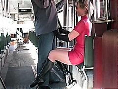 جنس: تنانير, هواه, ملابس جلدية لامعة, أحذية طويلة