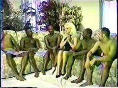 Bold: Pinutukan, Blonde, Interracial, Maraming Lalaki