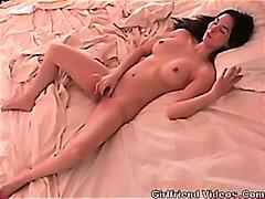 جنس: جميلات, هواه, كساس, على السرير