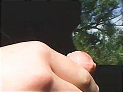 جنس: تعرى علناً, في العلن, نكاح اليد