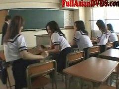 Pornići: Igra, Azijati, Nastavnik, Škola