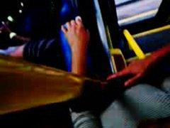 პორნო: ავტობუსი, საზოგადო, ძუძუები