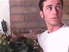 פורנו: בחור צעיר, הרדקור, צעירות, חזה גדול