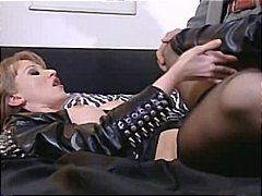 Porno: Ağır Sikişmə, Zənci, Tüklü, Çəkməli