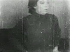 Porno: Tüklü, Lezbi, Məhsul