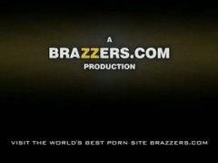 Porno: Pornoyje, Cicëmadhet, Cicëmadhet, Mësuesja
