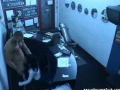 פורנו: מצלמה נסתרת, מצלמות, במשרד, מציצות