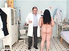 جنس: الطبيب, غريب جداً, أمهات, نهود كبيرة