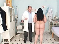 Porn: Բժիշկ, Էքսցենտրիկ, Մայրիկ, Մեծ Կրծքեր