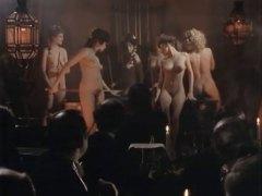 جنس: في العلن, ملهى ليلى, أفلام قديمة, كس مشعر