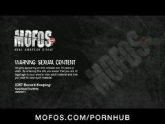 Porno: Në Grupë, Tinejgjerkat, Vajzat, Loqkat