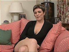 Porn: भयंकर चुदाई, काले बाल वाली, ब्रिटिश
