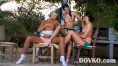 جنس: بنات جميلات, نيك ثلاثى, بعبصة, روسيات