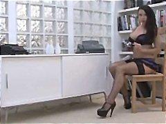 Porno: Iri Döşlü, Pornoulduz, Zənci, Alt Paltarı