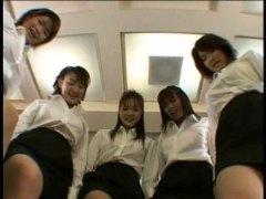 جنس: يابانيات, حب الأرجل, نساء مسيطرات, مجموعات