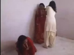 โป๊: ทางบ้าน, อินเดีย, หญิงเป็นใหญ่