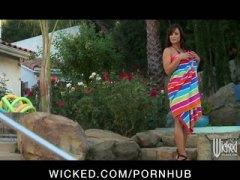 Порно: Брюнетки, Милф, Съпруга, Голям Гъз