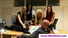 Lucah: Perempuan Berpakaian Lelaki Bogel, Pejabat, Ketua, Realiti