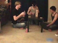 جنس: حفلة, نكاح اليد, الإيمو, كاميرا نت