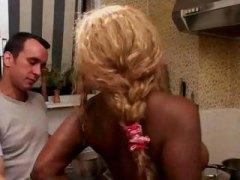 Porno: Hårete, Store Bryster, Raseblanding, Cumshot