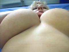 Porno: Üstünə Qurtarmaq, Təbii Döşlər, Sarışın, Yaşlı