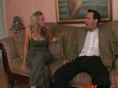 Porno: Iri Döşlü, Amcıq, Böyük Döşlər, Sarışın