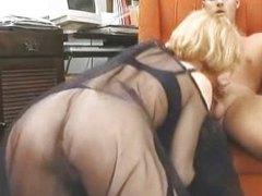 Porno: Sarışın, Məhsul, Alt Paltarı