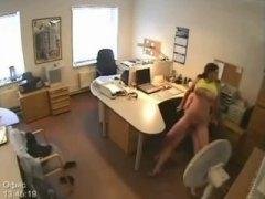 جنس: كاميرا مخفية, استراق النظر, كاميرا حية, سكيرتيرات