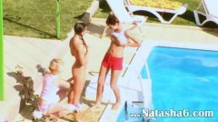 جنس: حمام السباحة, سحاقيات, مراهقات, نيك بقوة