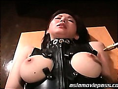 Porno: Aziatike, Qesharake, Plot Spermë