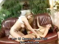 Porno: Dəri Paltar, Barmaqla, Lezbi, Divanda