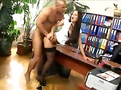 Porn: Tajnica, V Pisarni, Nogavice, Pete